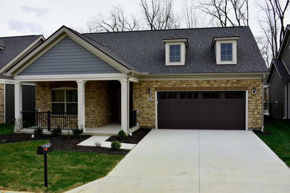 2742 Gardenview Loop, Grove City, OH 43123