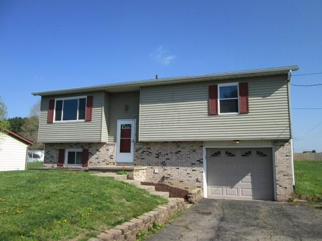 570 Derby Downs Road, Newark, OH 43055