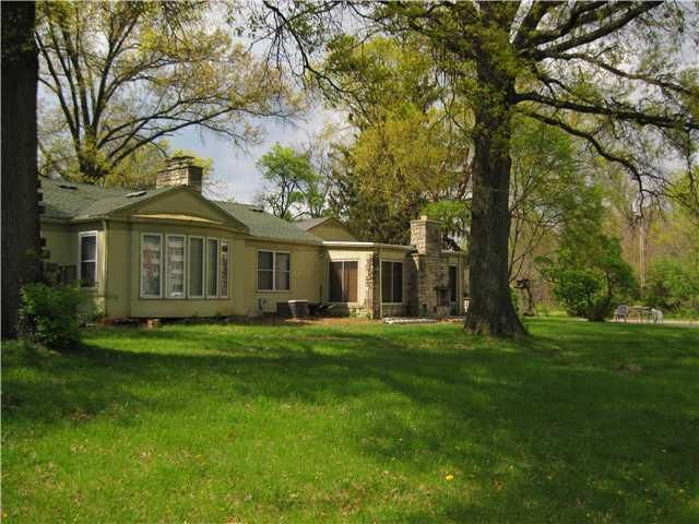 Photo of home for sale at 1600 Cassady Avenue N, Columbus OH