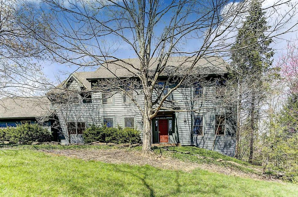 810 Old Woods Road, Columbus, OH 43235