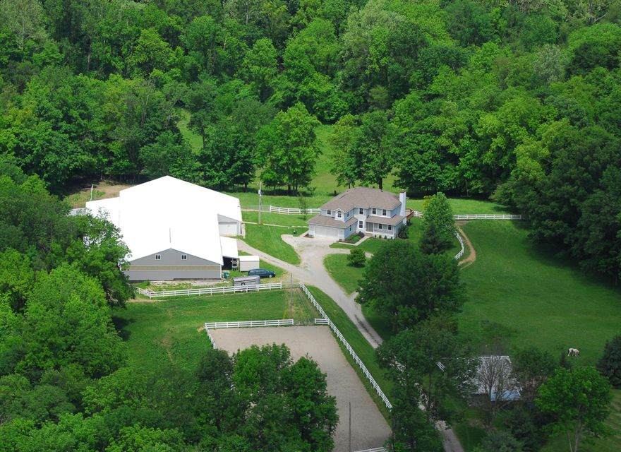 Photo of home for sale at 1530 Deeds Road, Granville OH