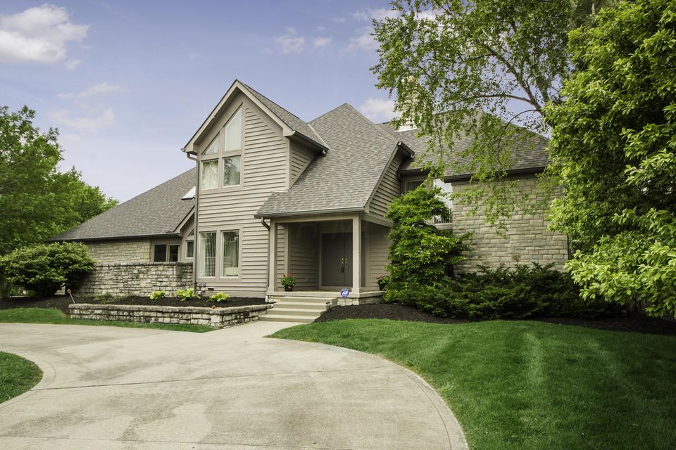Photo of home for sale at 6233 WINDBROOK Drive, Blacklick OH