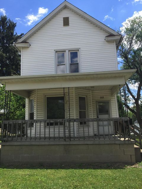 Photo of home for sale at 264 Cedar Street N, Newark OH