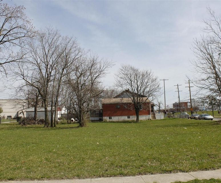 Photo of home for sale at 1208 Windsor Avenue, Columbus OH