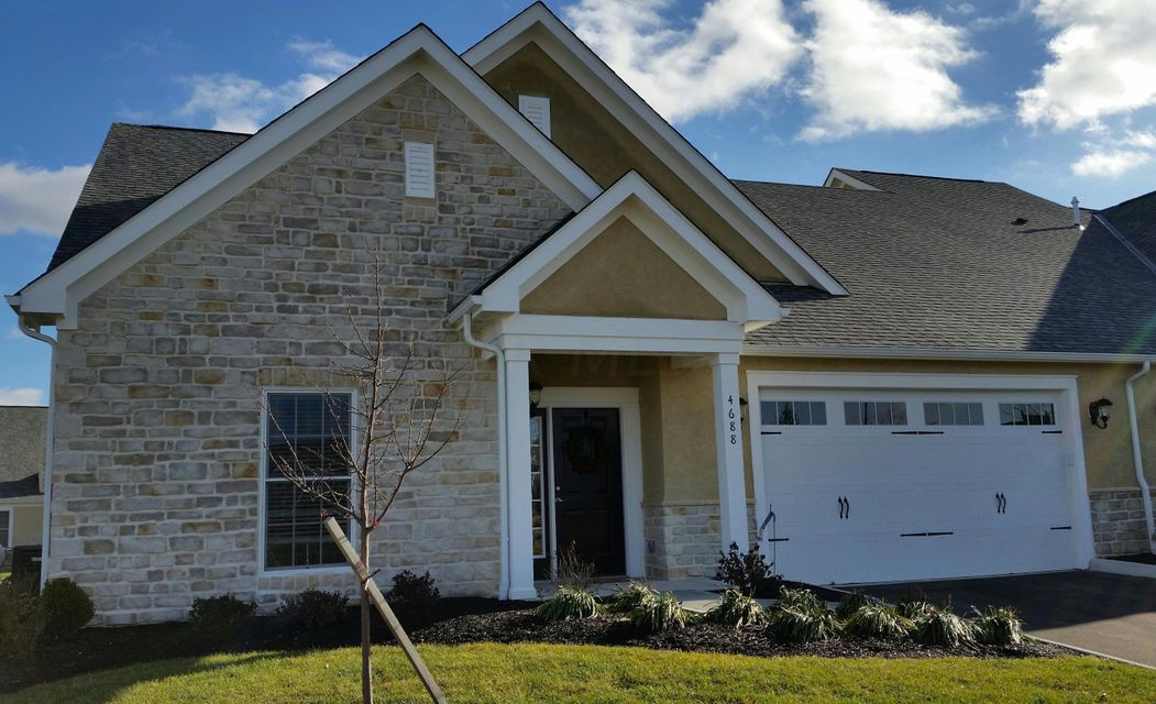 Photo of home for sale at 4866 Saint Andrews Drive, Grove City OH