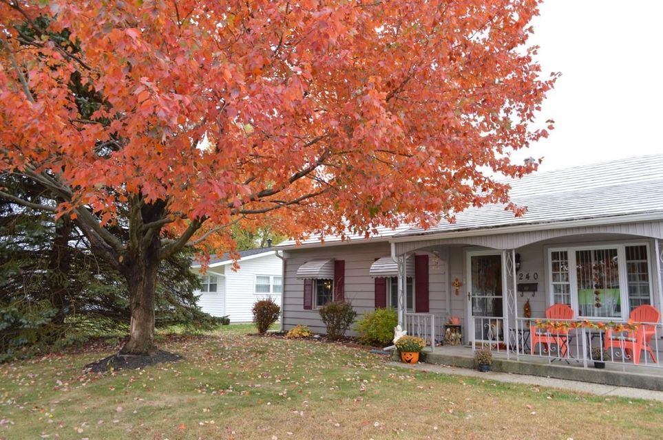 Photo of home for sale at 240 Walden Road, Heath OH