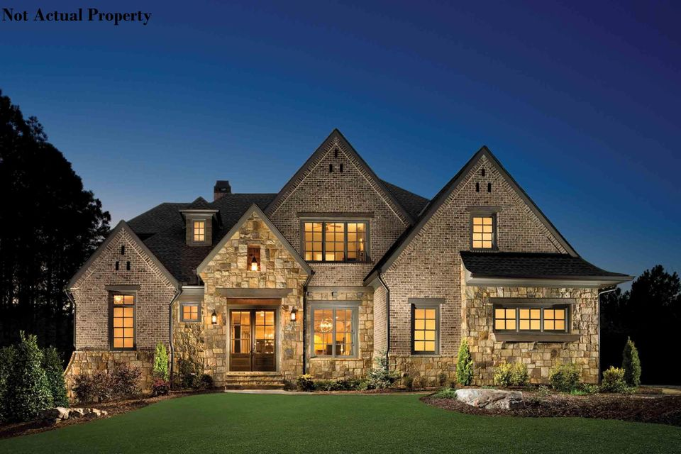 Photo of home for sale at 2850 Lane Road, Upper Arlington OH