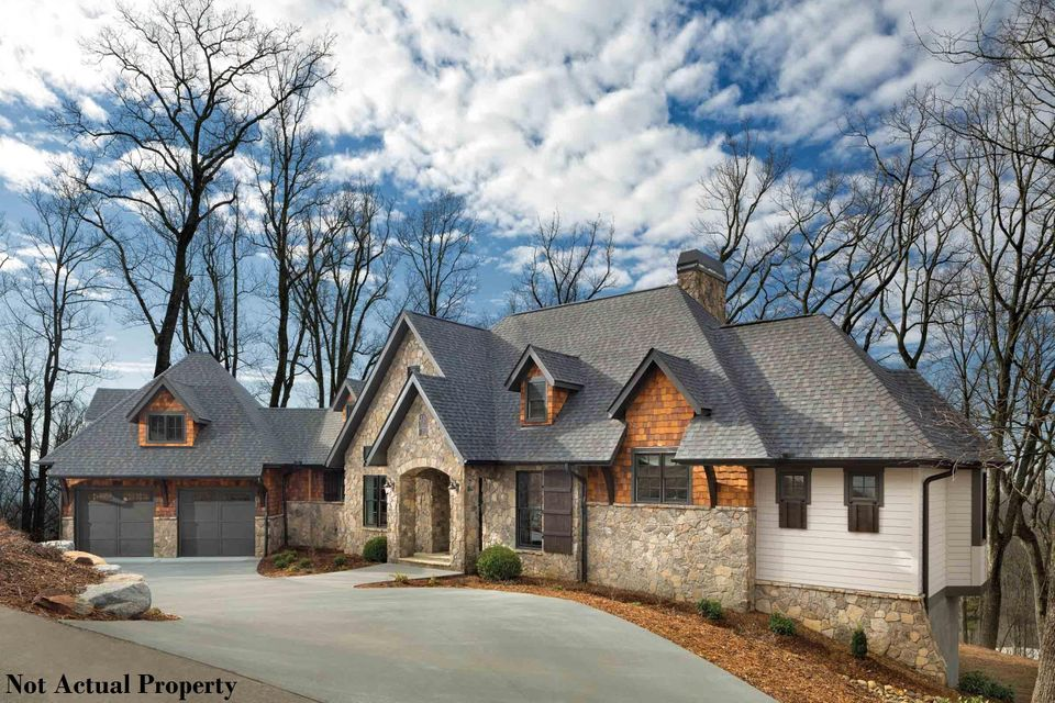 Photo of home for sale at 2840 Lane Road, Upper Arlington OH