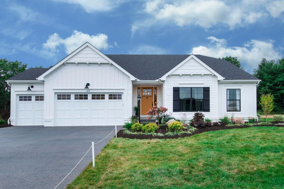 Photo of home for sale at 1678 Wrenbury Drive, Galena OH