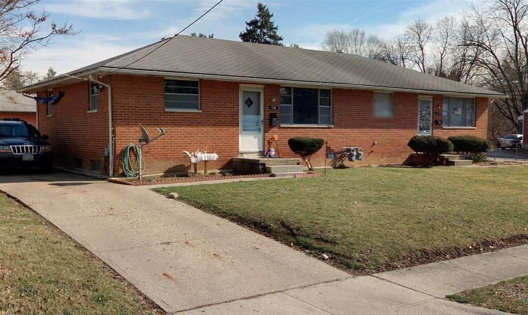 Photo of home for sale at 136 Collingwood Avenue, Whitehall OH