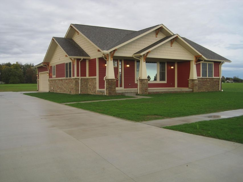 Photo of home for sale at 154 Halliday Way, Washington Court House OH