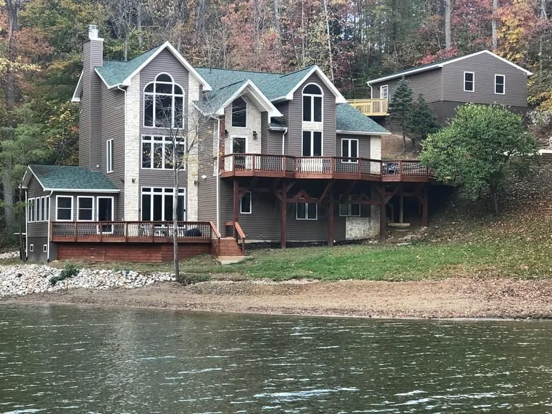 Photo of home for sale in Hide A Way Hills OH