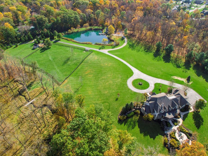 Photo of 1989 Carriage Road, Powell, OH 43065