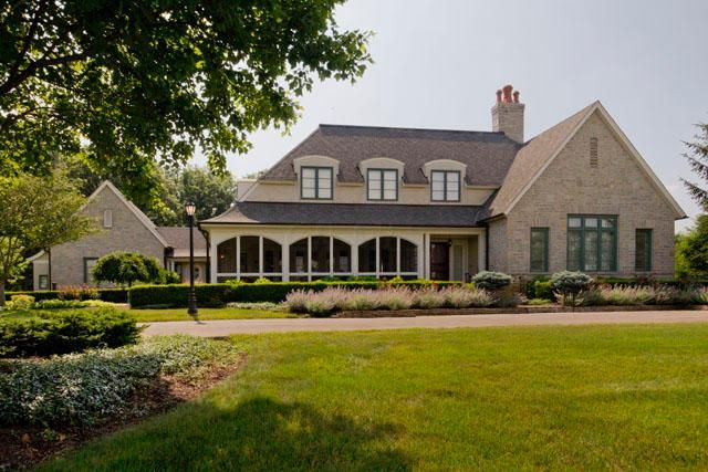 Photo of home for sale at 8693 Roberts Road, Galloway OH