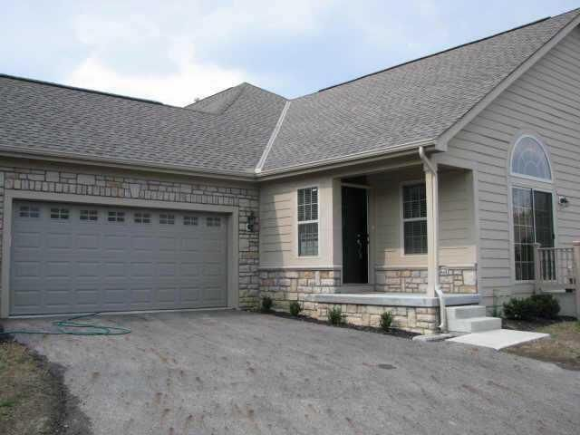Photo of home for sale at 4850 Rays Circle, Dublin OH