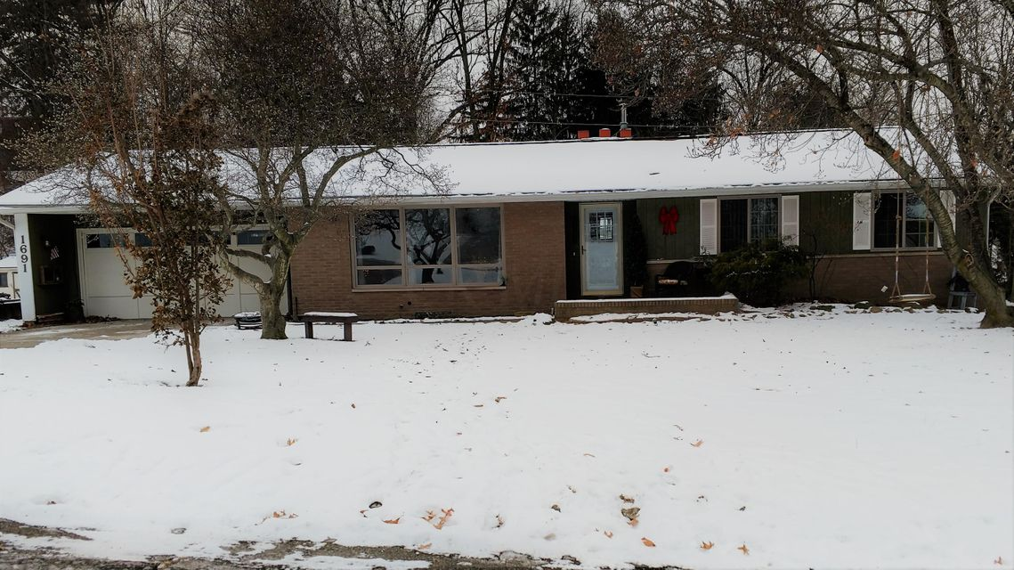 Photo of home for sale in Coshocton OH