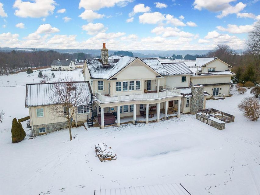 Photo of home for sale in Granville OH