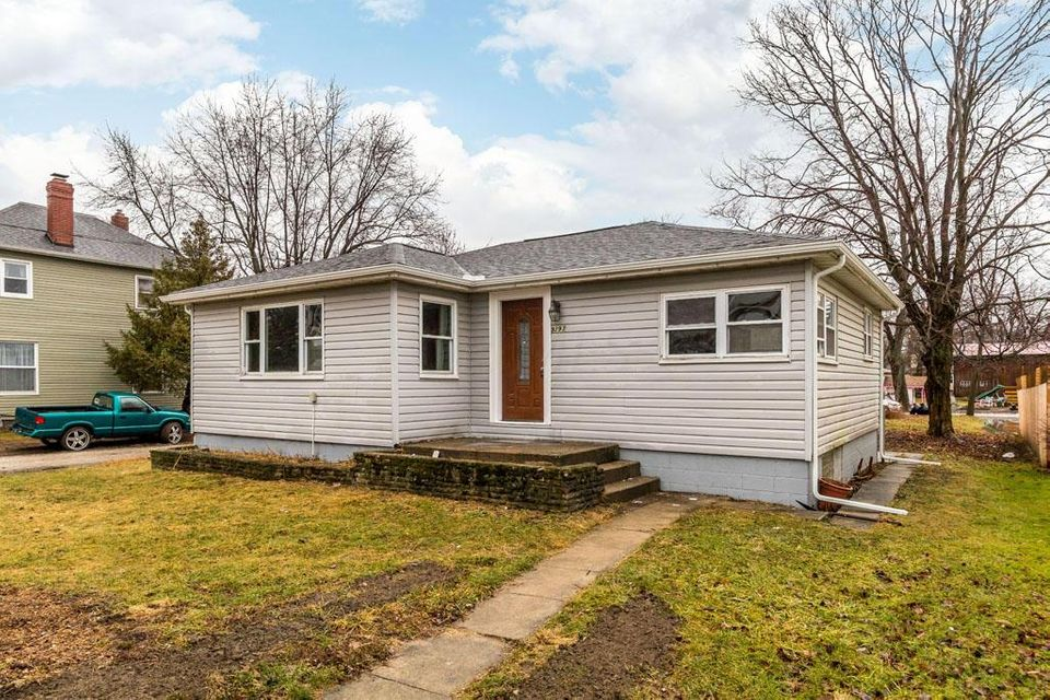 Photo of home for sale in Pataskala OH