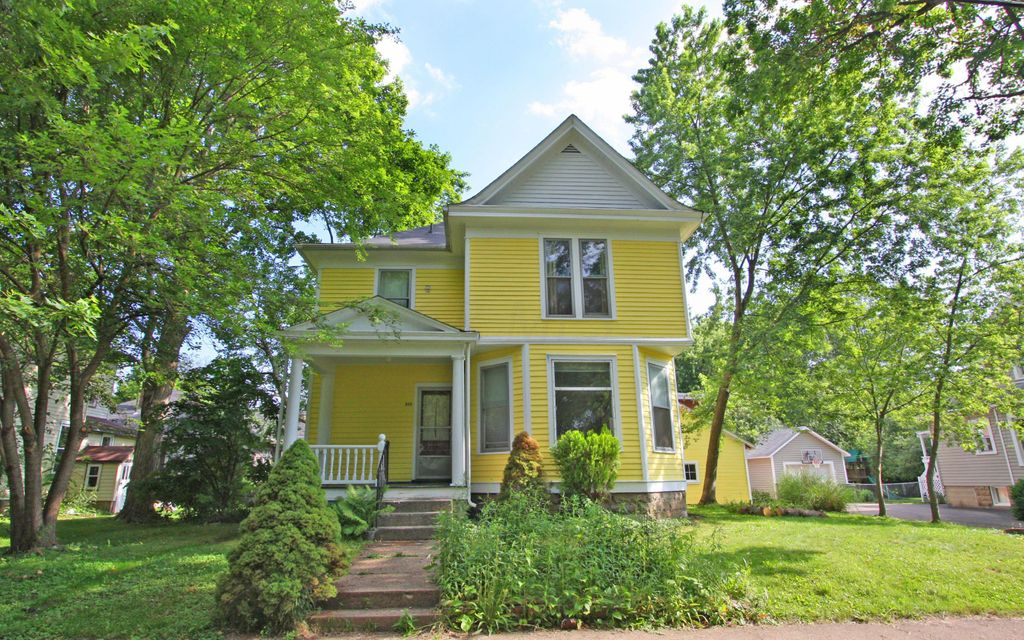 Photo of home for sale in Mount Vernon OH