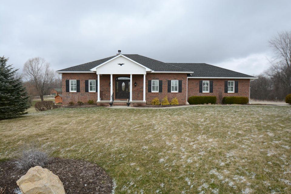 Photo of home for sale in Johnstown OH