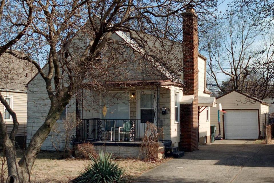Photo of home for sale at 704 Napoleon Avenue S, Columbus OH