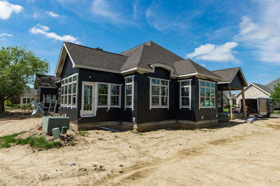 Photo of home for sale at 8264 Dolman Drive, Powell OH