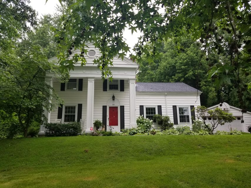 Photo of home for sale at 242 Grand Avenue, Chillicothe OH