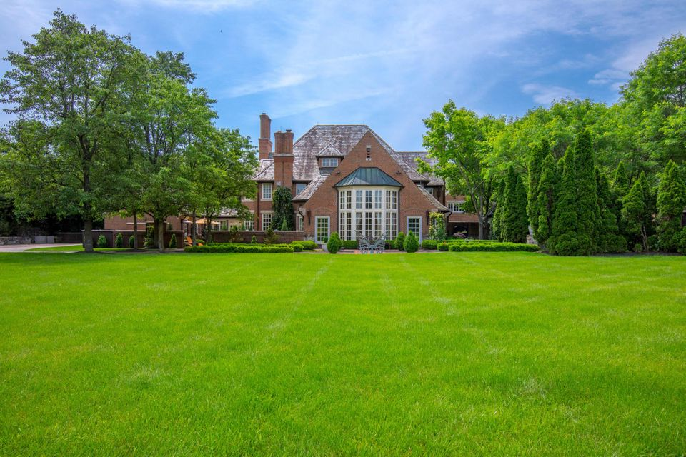 Photo of 10270 Olentangy River Road, Powell, OH 43065