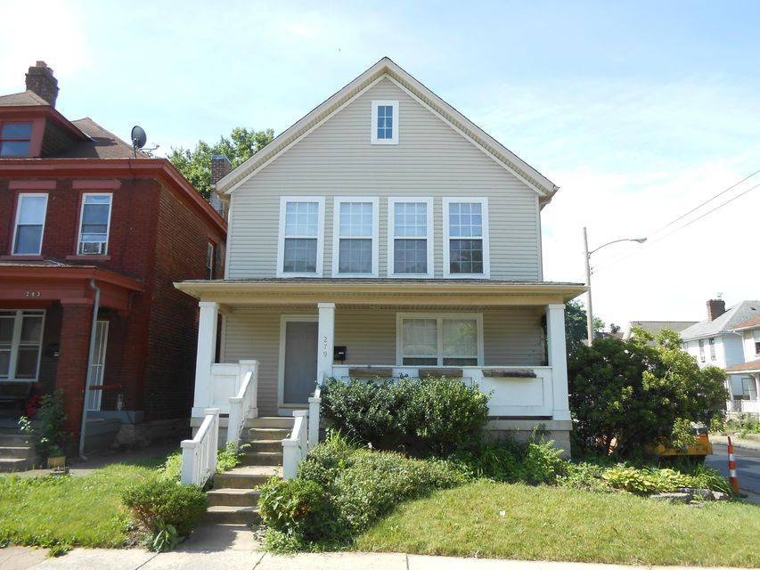Photo of home for sale at 279 Woodrow Avenue E, Columbus OH