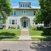 Photo of home for sale at 815 Fairmont Avenue, Zanesville OH