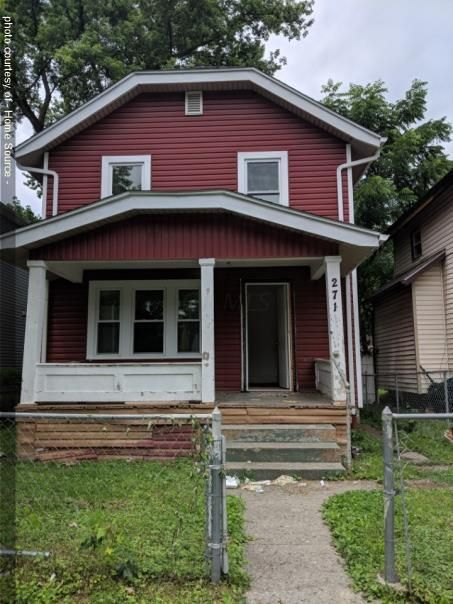 Photo of home for sale at 271 Terrace Avenue S, Columbus OH