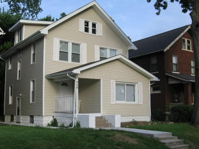 Photo of home for sale at 640 Bulen Avenue, Columbus OH