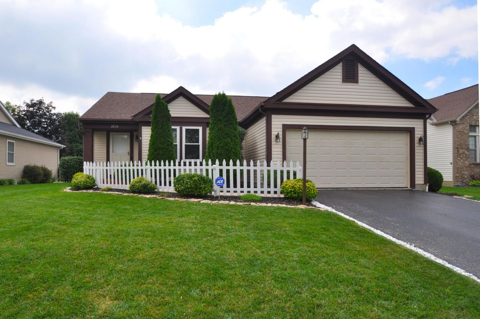 Photo of home for sale at 2230 Deveron Lane, Grove City OH