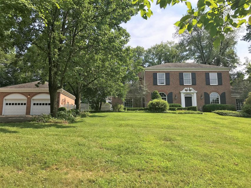 Photo of home for sale at 248 Thornewood Drive, Granville OH
