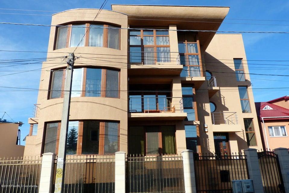 Vanzare multi-family house 510 m² - Dacia, Constanta