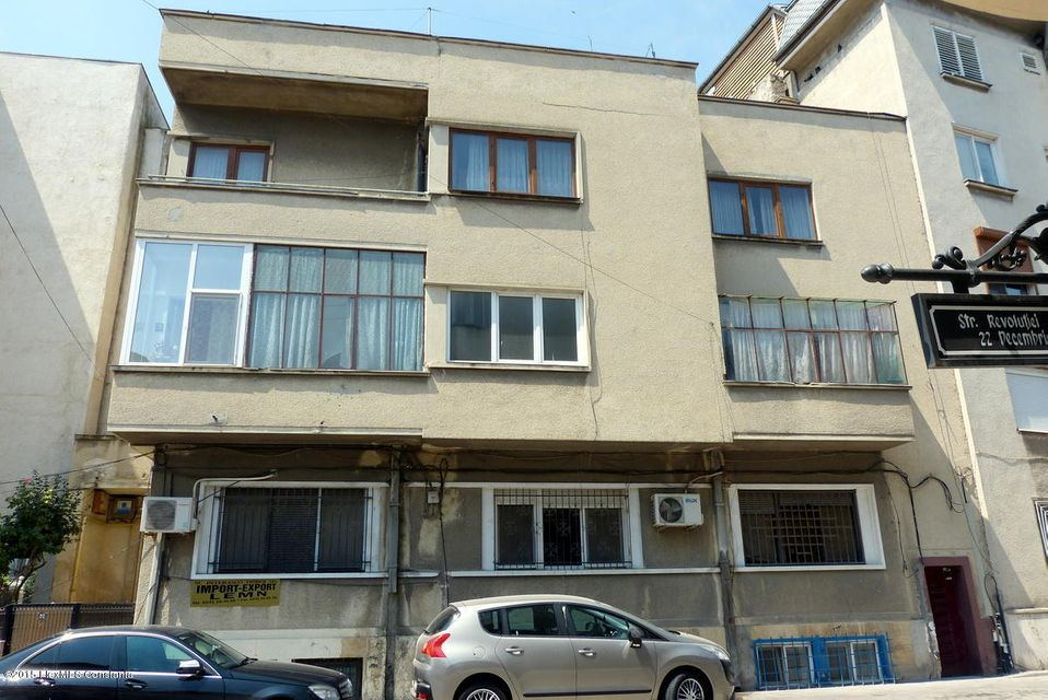 Vanzare Apartament 3 camere - Cazinou, Constanta