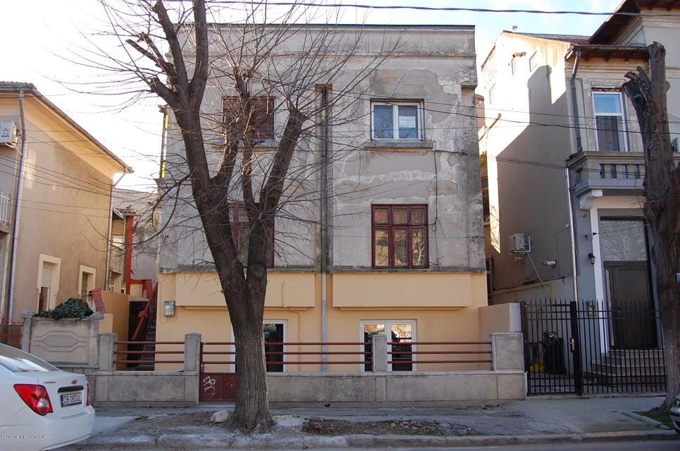 Vanzare Apartament 3 camere - Centru, Constanta