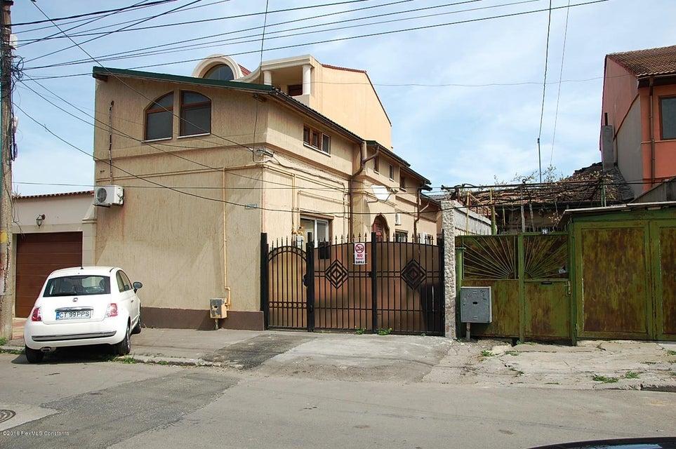 Vanzare Casa 183 m² - Tomis 2, Constanta