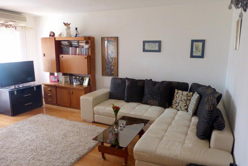 Vanzare Apartament 3 camere - Trocadero