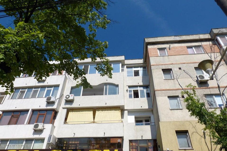 Vanzare Apartament 3 camere - Trocadero, Constanta