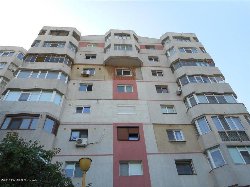 Vanzare Apartament 3 camere - Institutul de Marina, Constanta