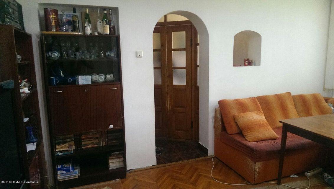 Vanzare Apartament 4 camere - Tic Tac, Constanta