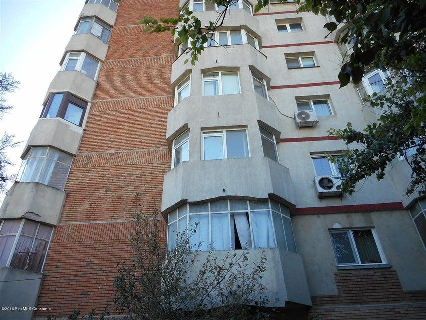 Vanzare Apartament 4 camere - Institutul de Marina, Constanta