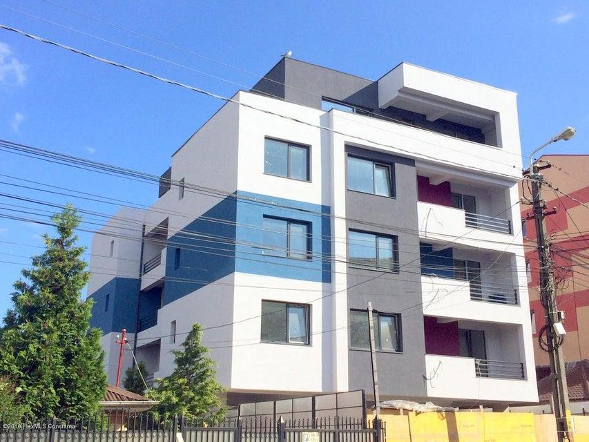 Vanzare Apartament 3 camere - Tomis 3, Constanta