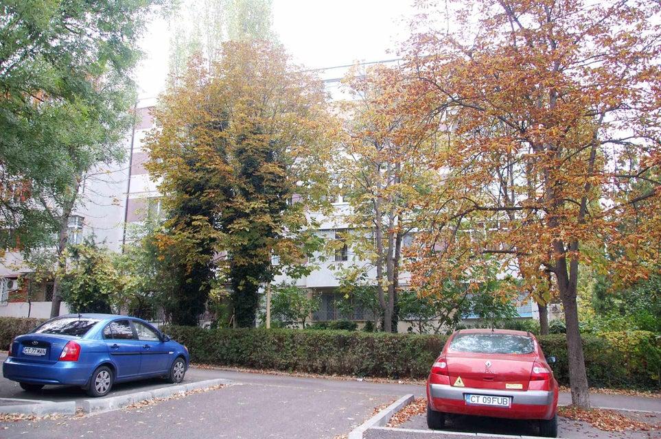 Vanzare Apartament 4 camere - Tomis 4, Constanta