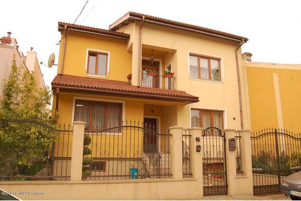 Vanzare Casa 368 m² - Tomis 2, Constanta