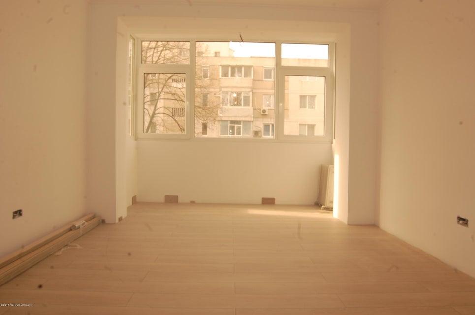 Vanzare Apartament 3 camere - Tomis 2, Constanta