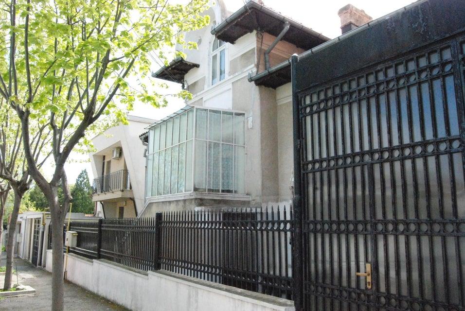 Vanzare Casa 237 m² - Tomis 2, Constanta