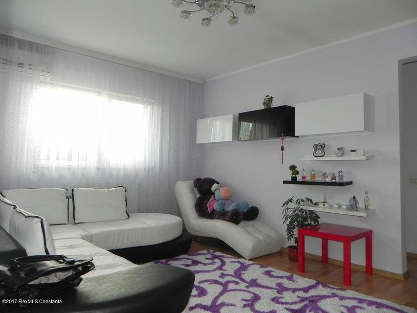 Vanzare Apartament 3 camere - Inel 2, Constanta