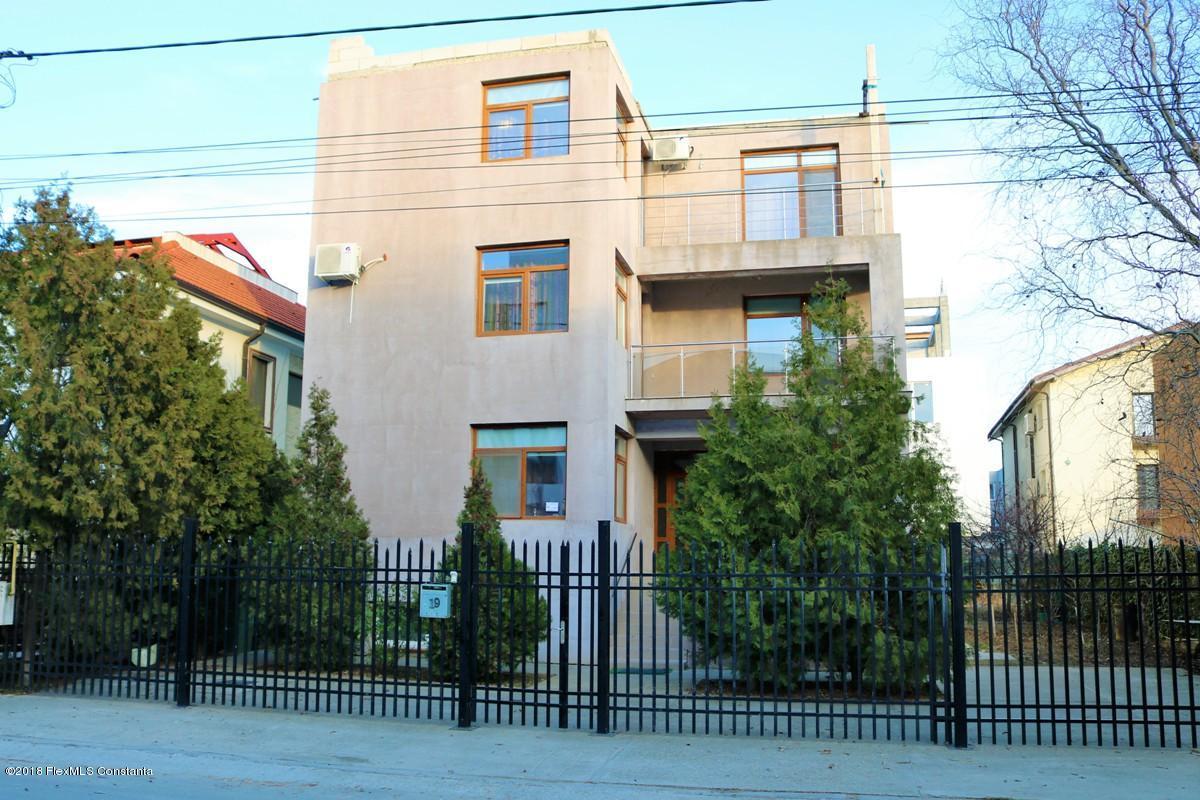 Vanzare Casa 412 m² - Mamaia Nord, Navodari